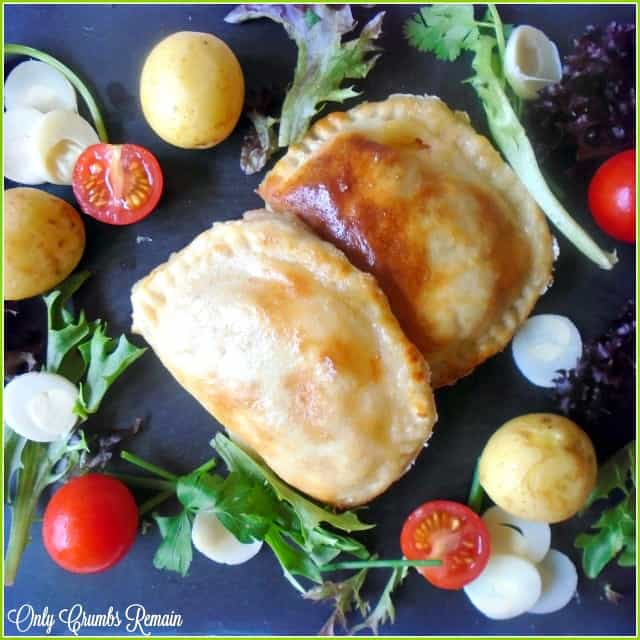 This delicious vegetarian bake is a baked version of the traditional risoles de palmito. It was served with a light salad and a few new potatoes.