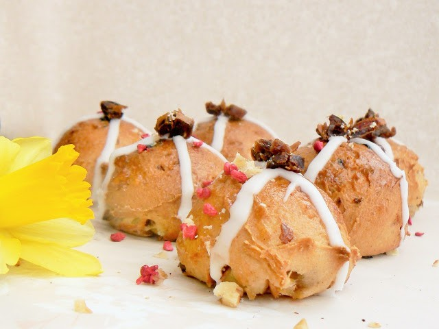 Apple, Date and Walnut Hot Cross Buns (free-from)