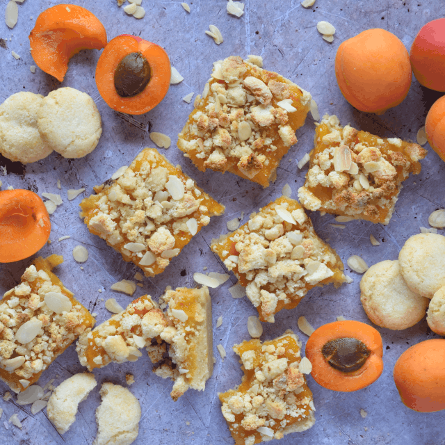 Almond Shortbread topped with an apricot jam and finished with a crumble of amaretti biscuits.